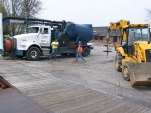 (86830) Excavation - Vac Truck Staged for Pour - 01